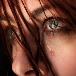 13553789_m GIRL CRY